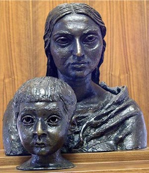 Fig. 12 Jacob Epstein, Madonna and Child (1927).